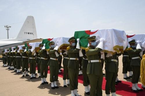 L-Algerie-recupered-ceremonie-militaire-solennelle-restes-24-combattants-debut-colonisation-francaise-XIXe-siecleleur-restitution-France_0_729_486.jpg